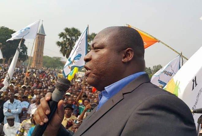Une enquête contre l'ancien ministre Clément Kanku