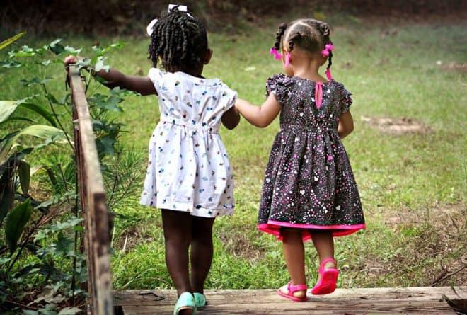 Avoir beaucoup d'enfants est-il synonyme de richesse ou de pauvreté ?