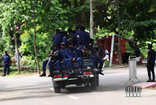 Dans l'est du Congo, la police traumatise et tue comme le coronavirus