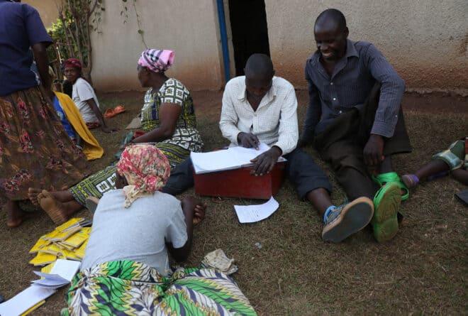 Les tontines sur WhatsApp à Kinshasa : entre espoir et arnaque